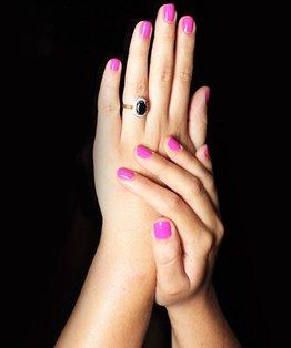Tutorial on a classic manicure