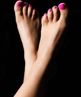 Tutorial on how to provide a classic pedicure treatment