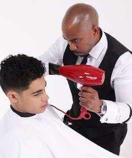 Blow-drying video tutorial  on how to curling and fingerstyle men's hair