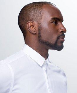 Creating facial hair shapes by New York Barbershop