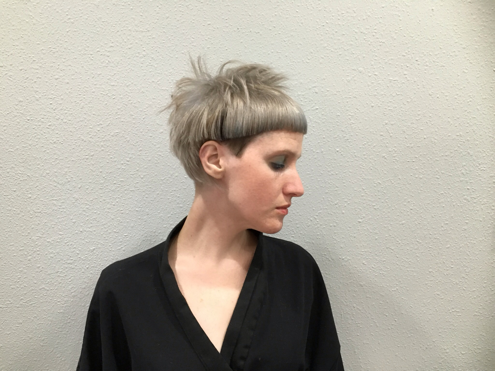 how to hold scissors haircut women for beginner