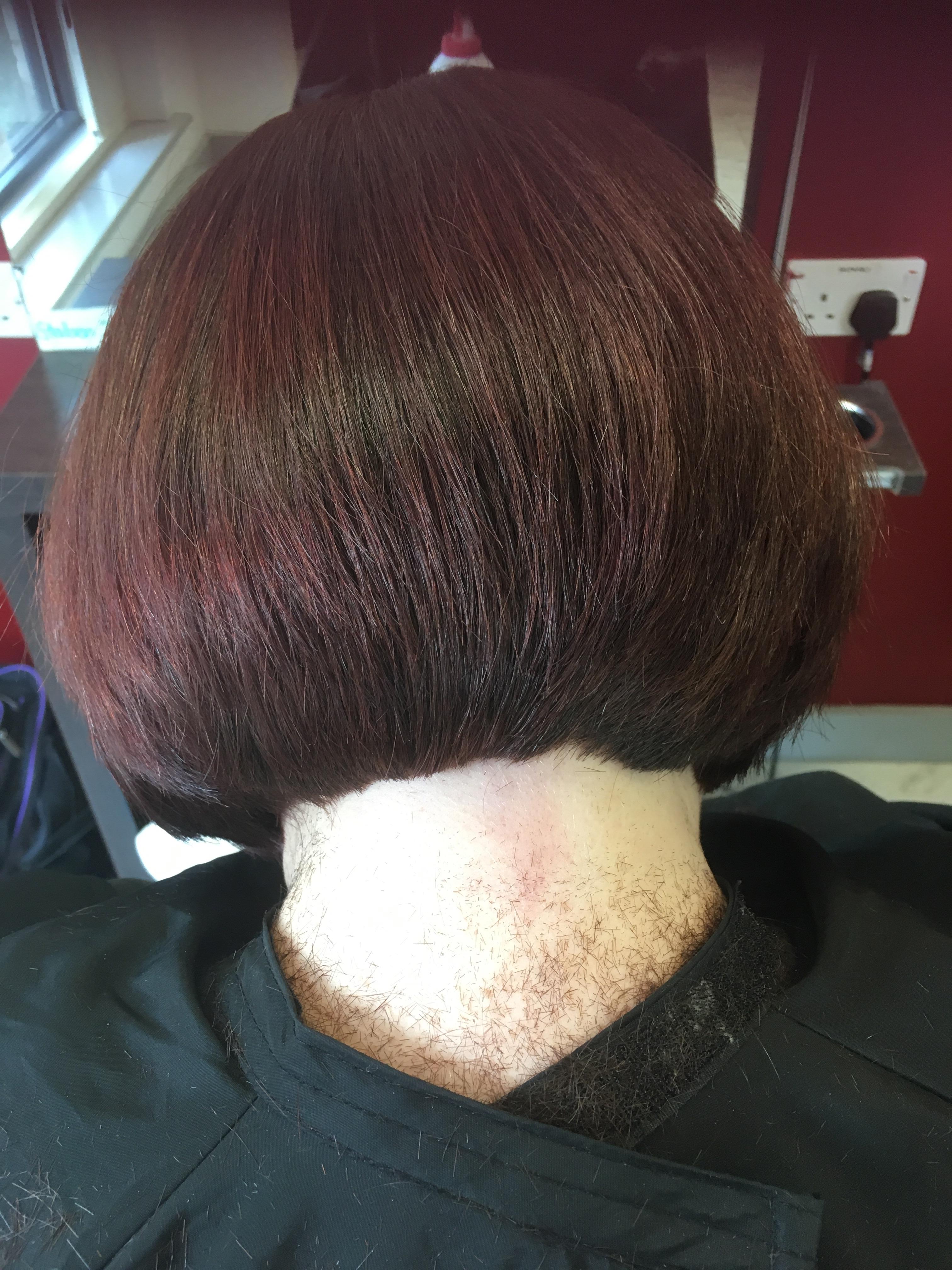 How To Do A Short Graduated Bob Haircut By Erin Threader Mhd