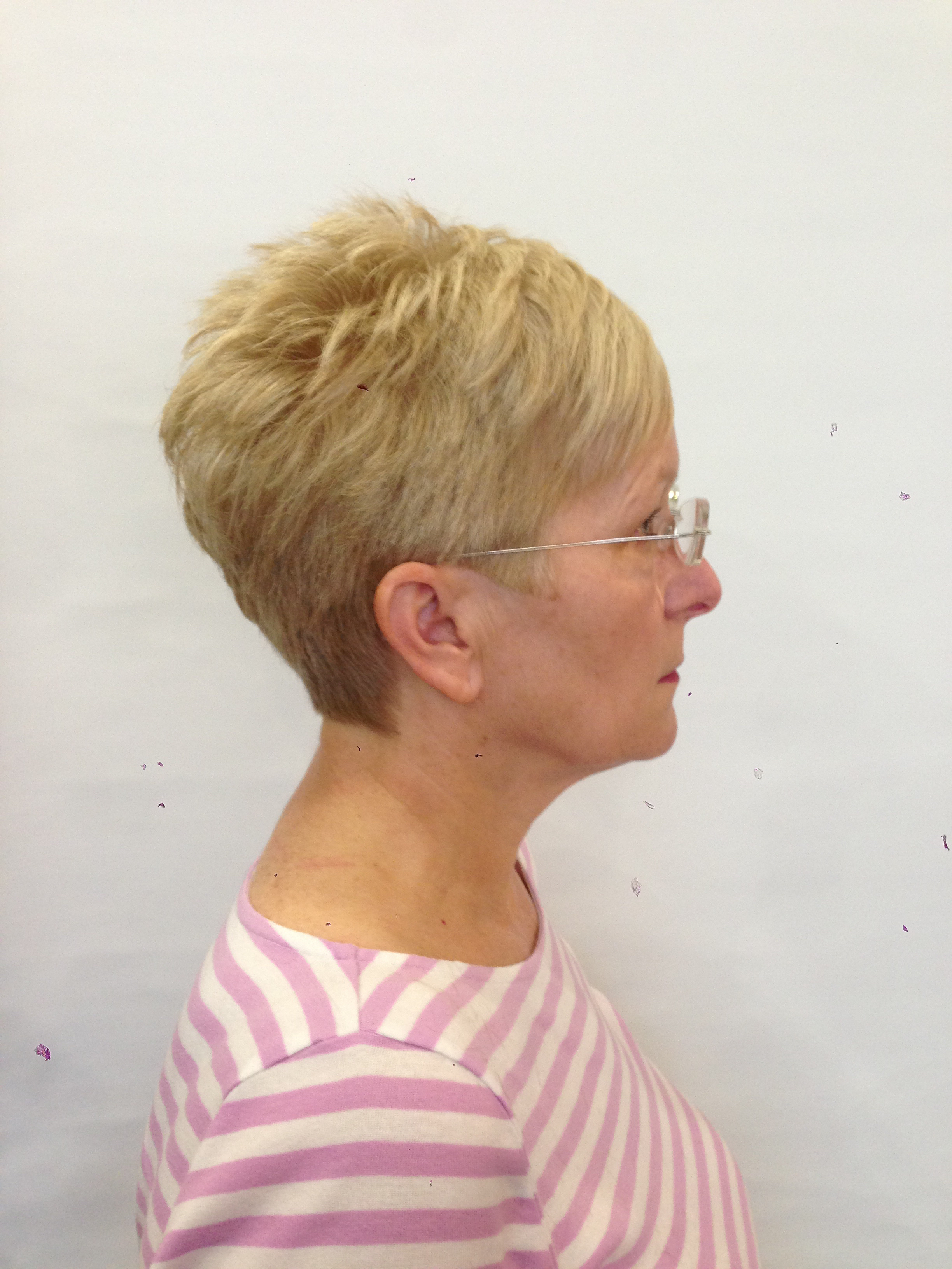 Short Round Graduated Haircut By Steven Whiteley Mhd