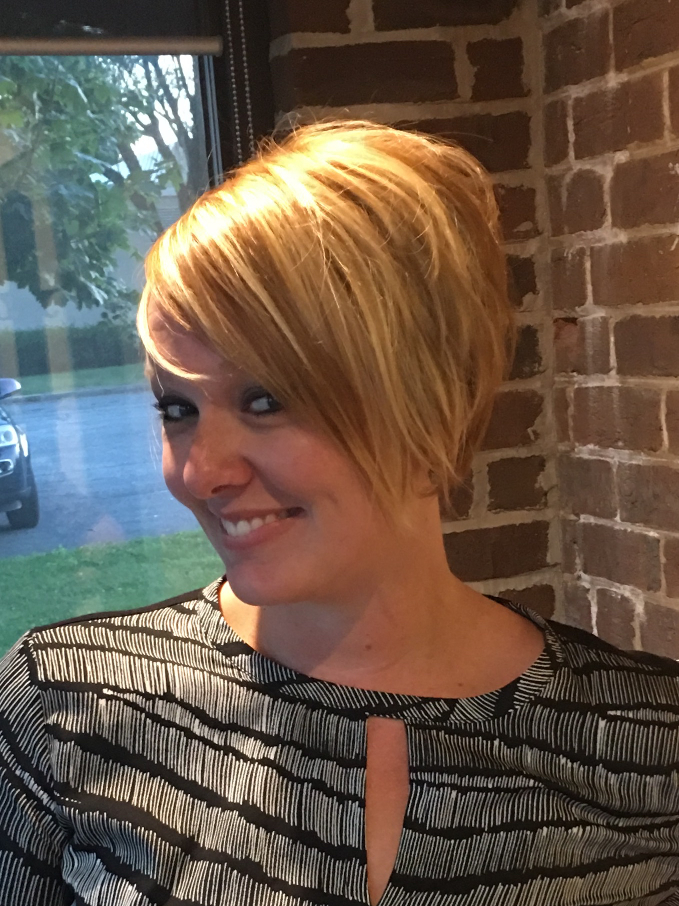 How To Do A Short Graduation Haircut By Julie Anders Mhd