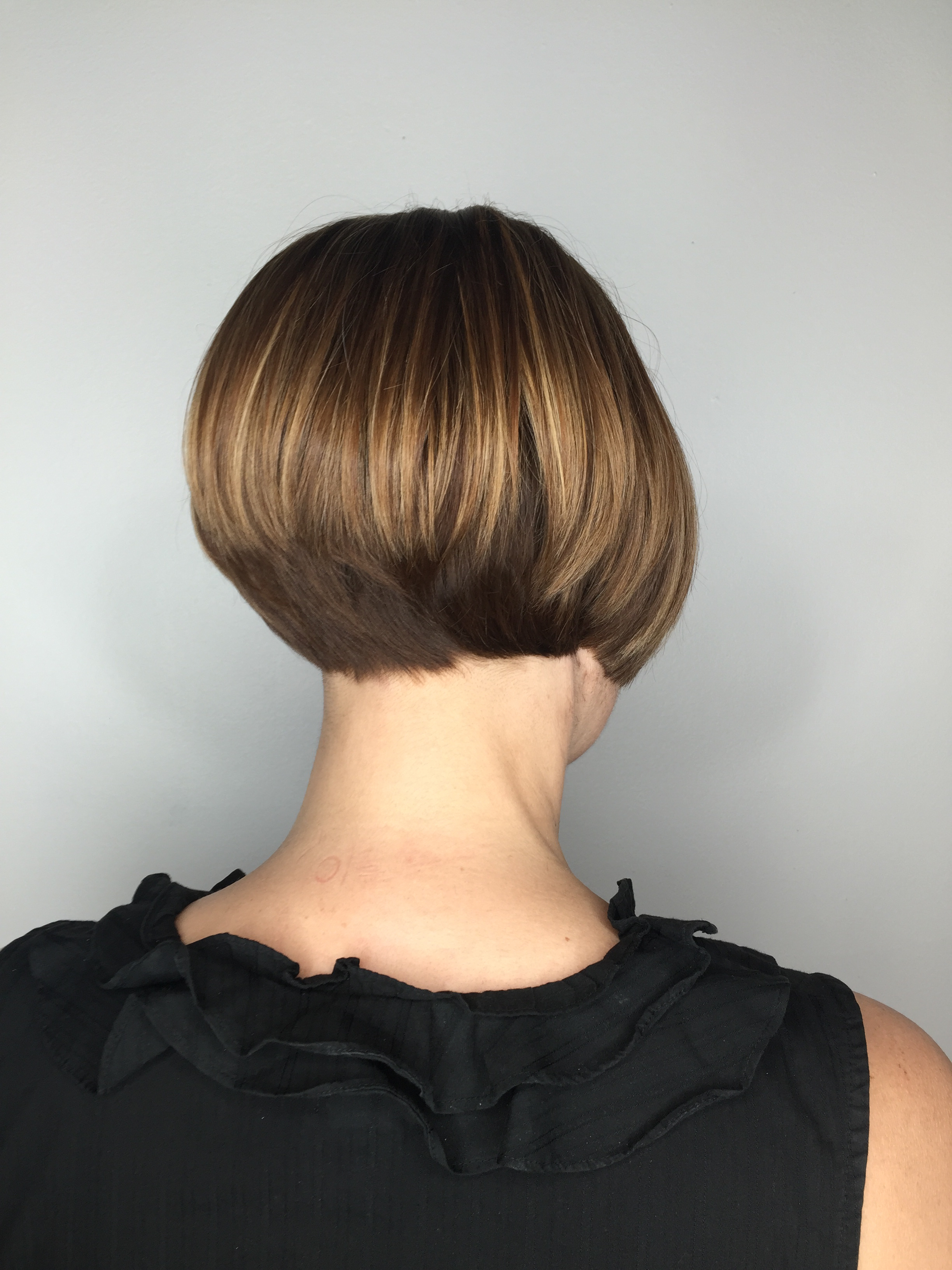 How To Cut A Triangular Graduation Haircut By Emil Kleinfeller Mhd